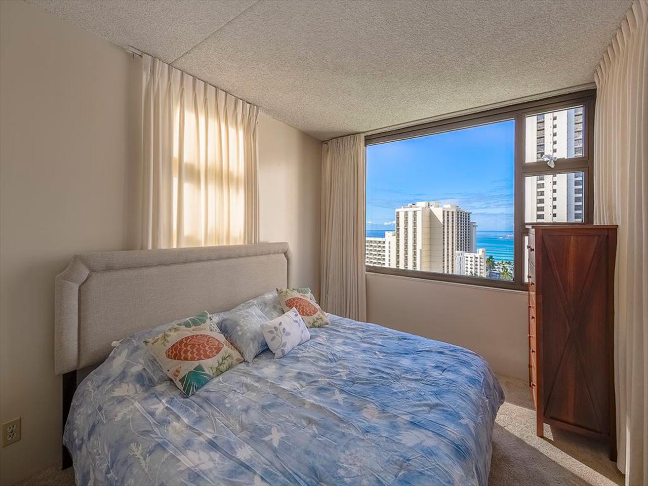 Waikiki Banyan #1914-II | ワイキキ・バニヤン #1914-II